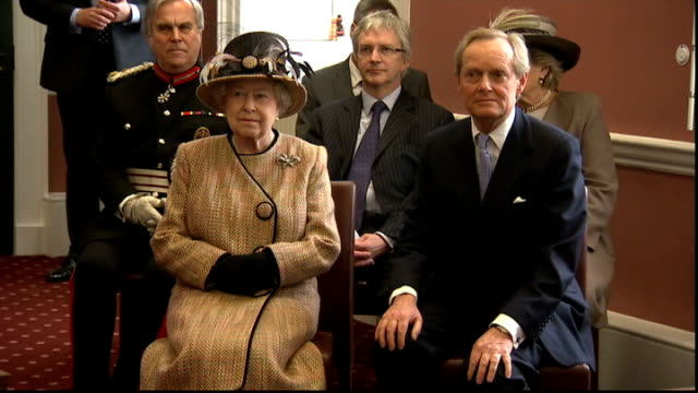 queen and prince philip officially open somerset house east wing; england: london: kings college: somerset house: ext queen elizabeth ii and prince... - キングスカレッジ点の映像素材/bロール