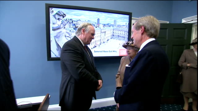 queen and prince philip officially open somerset house east wing; england: london: kings college: somerset house: int general views of queen... - キングスカレッジ点の映像素材/bロール