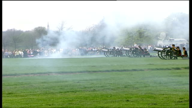 london hyde park ext soldiers of the king's troop royal horse artillery fire field guns during 41 gun salute soldiers on horseback gallop across... - royal horse artillery stock videos and b-roll footage