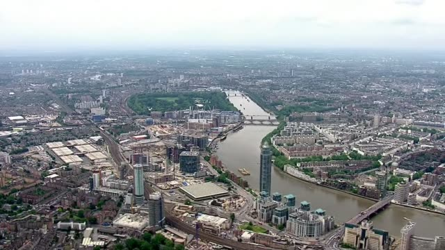 queen elizabeth 90th birthday: trooping the colour; air view / aerial central london looking west alogn river thames - 90th birthday stock videos & royalty-free footage