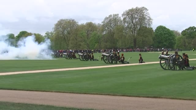 queen elizabeth 91st birthday: hyde park gun salute; england: london: hyde park: ext various shots of 41 gun salute by king's troop royal horse... - queen's birthday stock videos & royalty-free footage