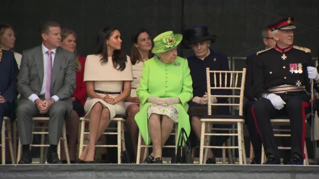 queen elizabeth and meghan duchess of sussex open mersey gateway bridge uk cheshire widnes queen elizabeth and meghan duchess of sussex at ceremony... - cheshire england stock videos & royalty-free footage