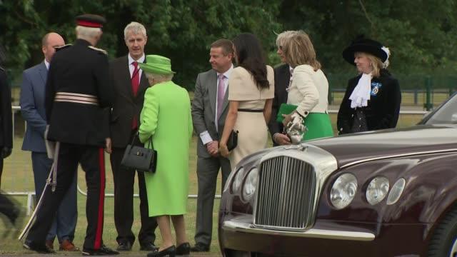 queen elizabeth and meghan duchess of sussex open mersey gateway bridge uk cheshire widnes queen elizabeth and meghan duchess of sussex at ceremony... - königin stock-videos und b-roll-filmmaterial