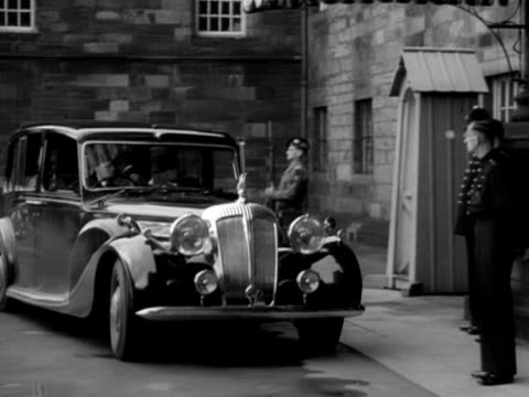 queen elizabeth and princess margaret arrive at holyrood house for the edinburgh festival and are greeted by various dignitaries september 1950 - princess margaret 1950 stock videos and b-roll footage