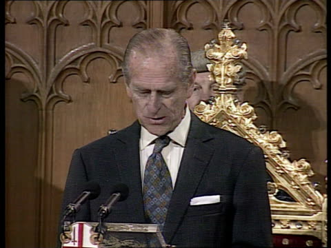 vídeos y material grabado en eventos de stock de queen elizabeth and the duke of edinburgh's golden wedding anniversary uk london guildhall prince philip speech i know i'm somewhat biased but i... - aniversario