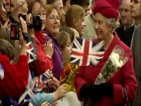 queen elizabeth greets the crowd in stornoway during the royal tour for the golden jubilee - golden jubilee stock videos & royalty-free footage