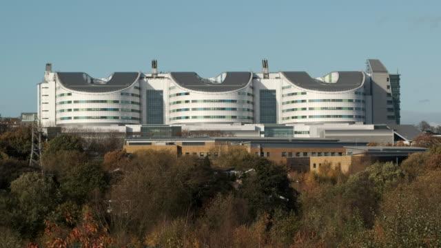 queen elizabeth hospital, birmingham, uk - birmingham england stock videos & royalty-free footage