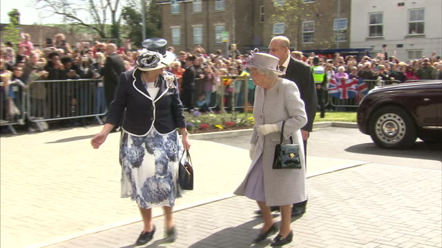 queen elizabeth ii accompanied by prince philip duke of edinburgh this afternoon opened priory view church street dunstable her majesty escorted by... - the queen stock videos and b-roll footage