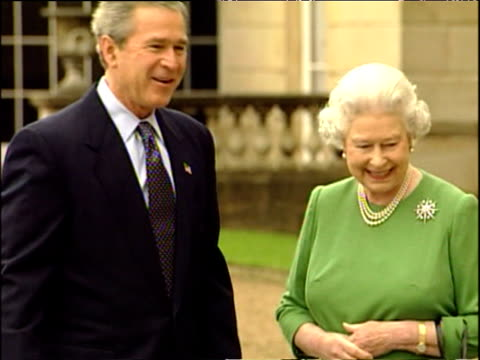 Queen Elizabeth II and Duke of Edinburgh shake hands with President George W Bush and wife Laura Nov 03