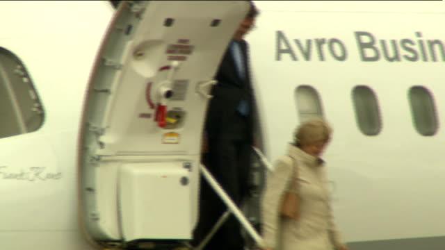 queen elizabeth ii and prince philip arrive at baldonnel military airport; republic of ireland: baldonnel aerodrome : ext motorcade arriving at... - königin stock-videos und b-roll-filmmaterial
