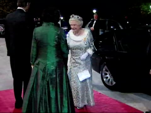 vídeos de stock, filmes e b-roll de queen elizabeth ii and prince philip arrive at brdo castle in slovenia for a state banquet they are greeted by danilo turk president of slovenia and... - kranj