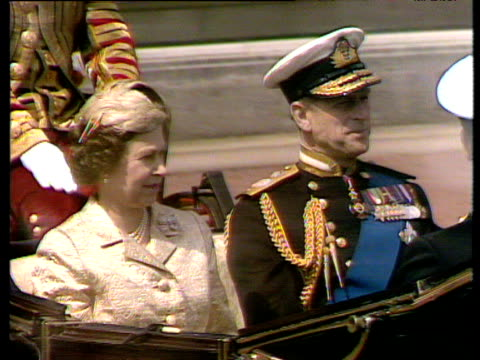 Queen Elizabeth II and Prince Phillip in horse drawn carriage outside Buckingham Palace London 15 Jul 80