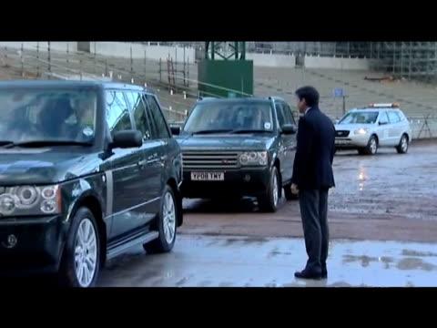 queen elizabeth ii arrives at london 2012 olympic park construction site london 3 november 2009 - erezione video stock e b–roll
