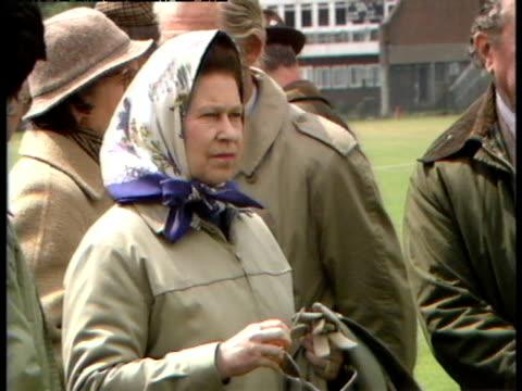queen elizabeth ii attends the windsor horse trials - イギリス バークシャー点の映像素材/bロール