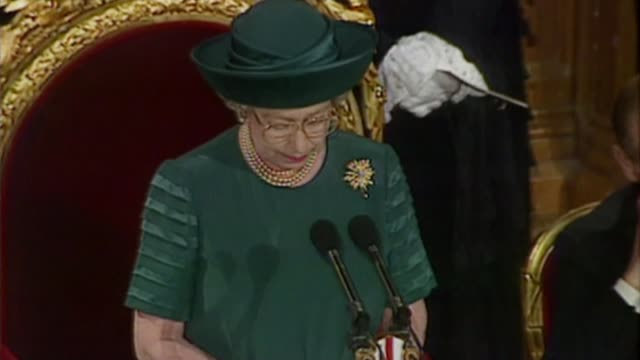 queen elizabeth ii becomes longest reigning monarch bsp241192022 / tx int queen speech sot re annus horribilis - speech stock videos & royalty-free footage