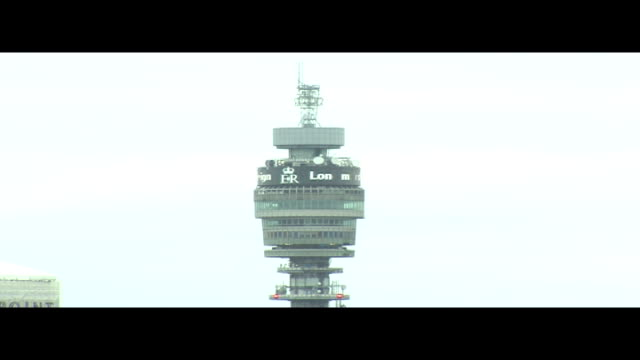 vídeos de stock e filmes b-roll de queen elizabeth ii becomes longest reigning monarch bt tower tribute england london ext locked off shot of bt tower with the words 'er long may she... - bt tower londres