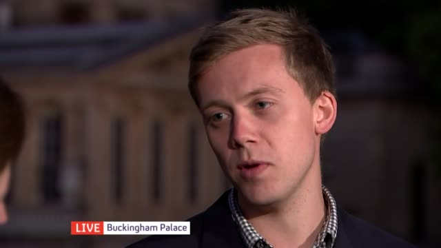 queen elizabeth ii becomes longest reigning monarch england london buckingham palace owen jones and kate williams live discussion sot - ジャッキー ロング点の映像素材/bロール