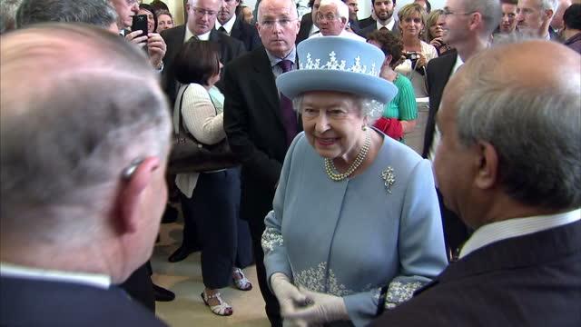 stockvideo's en b-roll-footage met queen elizabeth ii diamond jubilee coverage at enniskillen hospital on june 26 2012 in enniskillen northern ireland - koningin koninklijk persoon