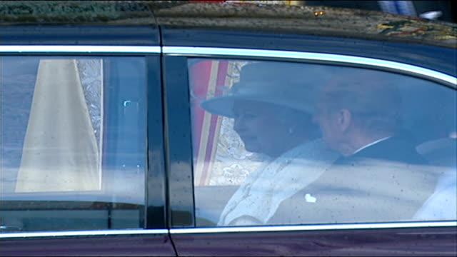 queen elizabeth ii diamond wedding anniversary queen elizabeth seated next prince philip in royal limousine sot - limousine luxuswagen stock-videos und b-roll-filmmaterial
