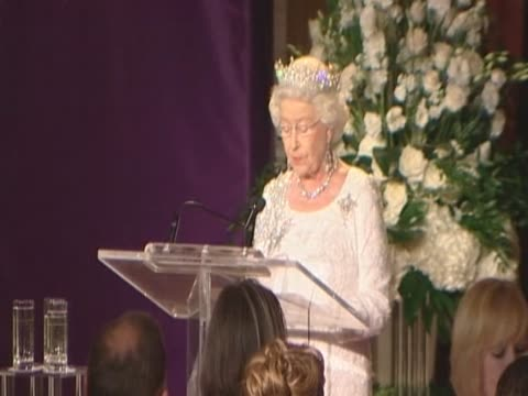 queen elizabeth ii makes speech at a state dinner in her honour during royal tour of canada - state dinner stock videos & royalty-free footage