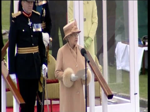 stockvideo's en b-roll-footage met queen elizabeth ii makes speech to army cadets including prince harry at their passing out parade at royal military academy sandhurst wishing them... - kadet