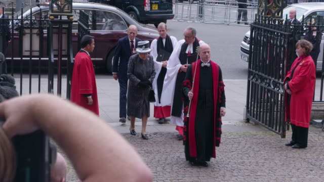 queen elizabeth ii prince philip duke of edinburgh at battle of the somme centenary westminster abbey service on june 30 2016 in london england - westminster abbey stock-videos und b-roll-filmmaterial