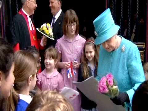 queen elizabeth ii receives gifts from school children on her 85th birthday - queen's birthday stock videos & royalty-free footage