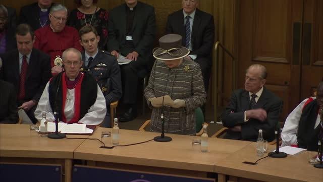queen elizabeth ii the duke of edinburgh attend the tenth general synod inauguration shows interior shot queen elizabeth addressing the general synod... - カンタベリー大主教点の映像素材/bロール