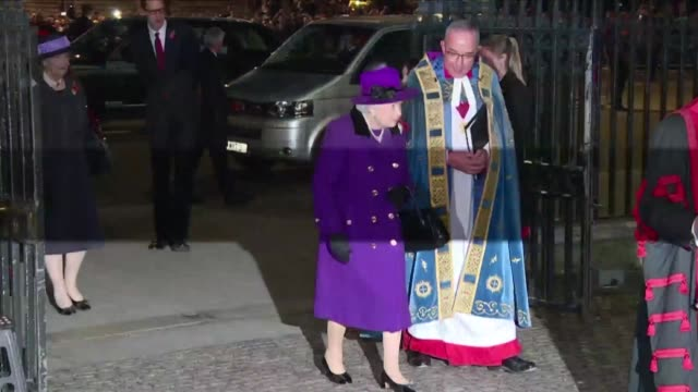 stockvideo's en b-roll-footage met queen elizabeth ii the royal family german president frank-walter steinmeier and guests arrive at westminster abbey to attend a service to mark the... - westminster abbey