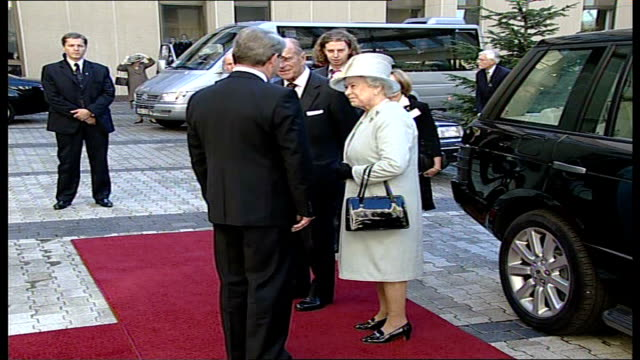 queen elizabeth ii visits lithuania / speech to parliament lithuania vilnius ext queen elizabeth ii chatting to officials on red carpet as prince... - elizabeth ii stock videos & royalty-free footage