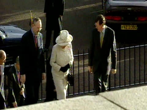 queen elizabeth ii walks up steps towards the parliament buidling with david trimble leader of the ulster unionist party during the royal tour for... - golden jubilee stock videos & royalty-free footage
