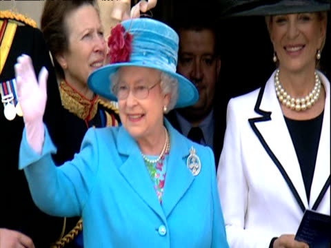 queen elizabeth ii waves to crowd from buckingham palace balcony during trooping the colour parade london 13 june 2009 - carriage stock videos and b-roll footage