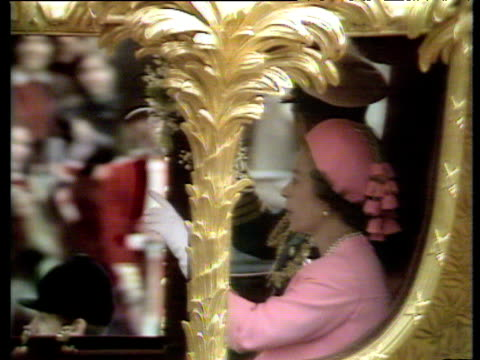 queen elizabeth ii wearing pink outfit travels in ceremonial state carriage silver jubilee; 07 june 77 - carriage stock videos & royalty-free footage