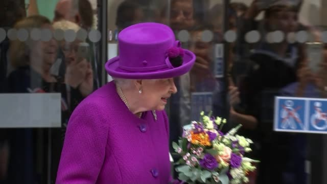 queen expected to tell harry and meghan to stop using word 'royal' to promote themselves; england: london: bloomsbury: ext close shot queen elizabeth... - britisches königshaus stock-videos und b-roll-filmmaterial