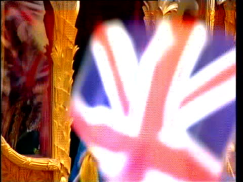 queen in jubilee carriage waving to crowds in golden jubilee procession london; 04 jun 02 - 2000s style stock videos & royalty-free footage