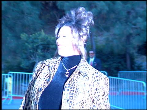 vídeos y material grabado en eventos de stock de queen latifah at the 1994 billboard music awards at universal amphitheatre in universal city california on december 7 1994 - queen latifah