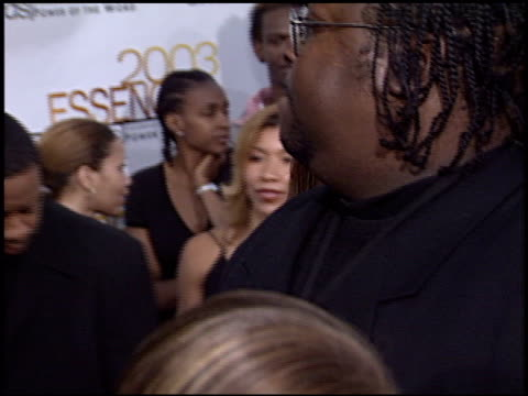 vídeos y material grabado en eventos de stock de queen latifah at the 2003 essence awards at the kodak theatre in hollywood california on june 6 2003 - queen latifah