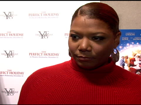 vídeos y material grabado en eventos de stock de queen latifah on her role as voice over in the movie the attractive holiday theme of the movie music being close to her heart who she would vote for... - queen latifah