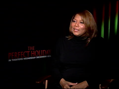vídeos y material grabado en eventos de stock de queen latifah on what she would like the audience to take away from the film at the 'the perfect holiday' press junket at null in los angeles... - queen latifah