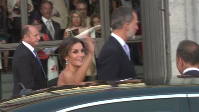 queen letizia of spain and king felipe vi arrive at royal theatre on september 19 - queen letizia of spain stock videos and b-roll footage