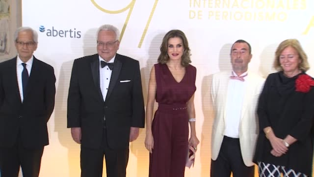 queen letizia of spain attends a dinner in honour of 'mariano de cavia' 'mingote' and 'luca de tena' awards winners - queen letizia of spain stock videos and b-roll footage