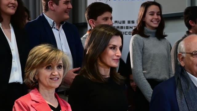 vídeos y material grabado en eventos de stock de queen letizia of spain attends ' formate' project presentation in madrid on april 4 2019 in madrid spain - letizia