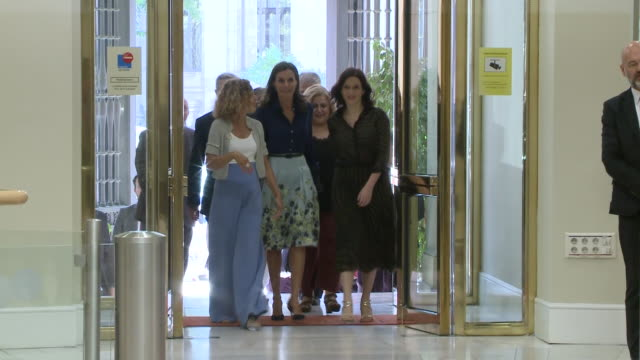 queen letizia of spain attends forum about disability - teilnehmen stock-videos und b-roll-filmmaterial
