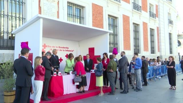 vídeos y material grabado en eventos de stock de queen letizia of spain attends the red cross world day - letizia