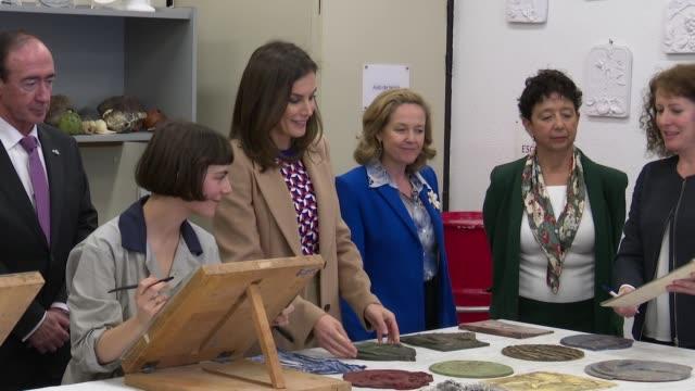 vídeos y material grabado en eventos de stock de queen letizia of spain delivers special recognition in the currency house - accesorio financiero