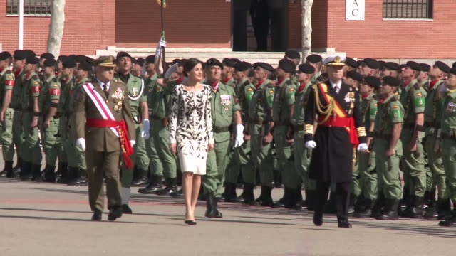 queen letizia of spain delivers the national flag to the parachutists of the 'napoles' infantry calvary at paracuellos del jarama - infanterie stock-videos und b-roll-filmmaterial