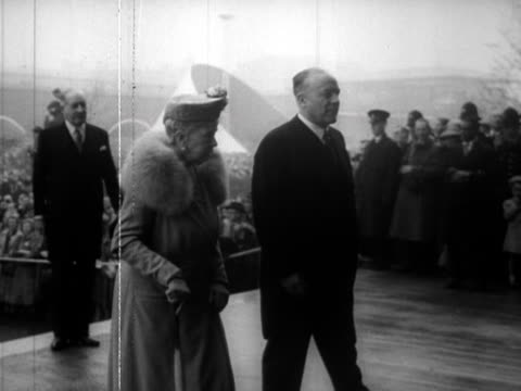 queen mary princess elizabeth and prince philip arrive at the festival of britain site on the south bank - festival of britain stock videos & royalty-free footage