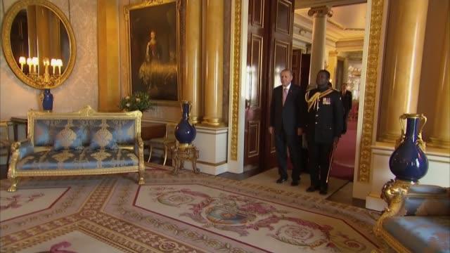 Queen meets Recep Tayyip Erdogan at Buckingham Palace ENGLAND London Buckingham Palace INT Recep Tayyip Erdogan and Emine Erdogan arriving and...