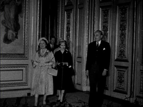 queen mother and princess margaret visit british embassy in paris france paris ext exterior of british embassy with traffic and people along queen... - 1950 1959 stock-videos und b-roll-filmmaterial