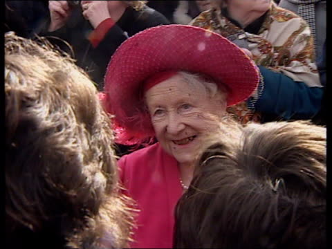 nosebleed operation anglia pool england west norfolk fletcham church queen mother smiling as she accepts flowers from well wishers - queen dowager bildbanksvideor och videomaterial från bakom kulisserna